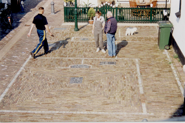 'Plan Fishermans house from Urk',1997, bronze/ornamental pavement
