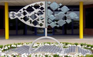 'Vissen', 2004, brons/rvs